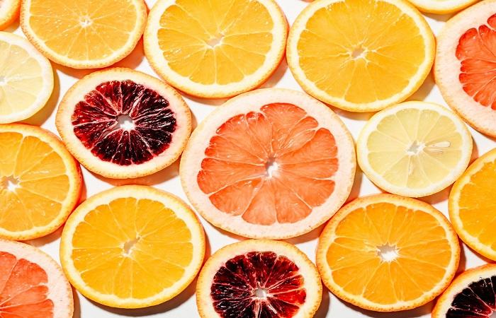 ăn nhiều trái cây giúp giảm làm đen da