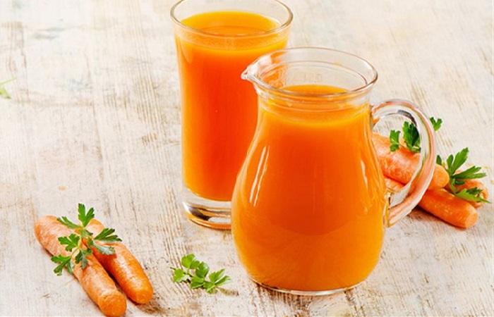 Nước ép cà rốt giúp làm giảm vết cháy nắng