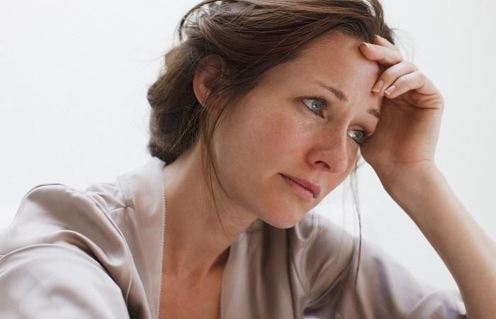 Phụ nữ bị suy giảm nội tiết tố nữ