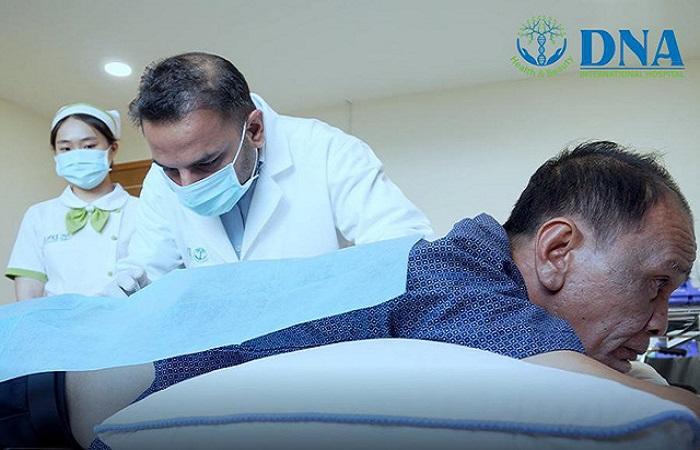 Điều trị đau lưng bằng tế bào gốc không phẫu thuật không dùng thuốc